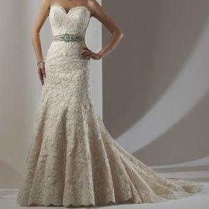 Bonny Bridal Wedding Gown